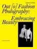9780295992518 : out-o-fashion-photography-willis